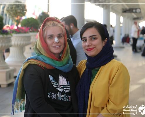 گردشگر پزشکی از جنوب روسیه و مترجم همراه آریامدتور در فرودگاه تهران