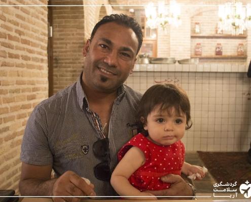 شهروند سوئدی در رستوران ایرانی پس از جراحی