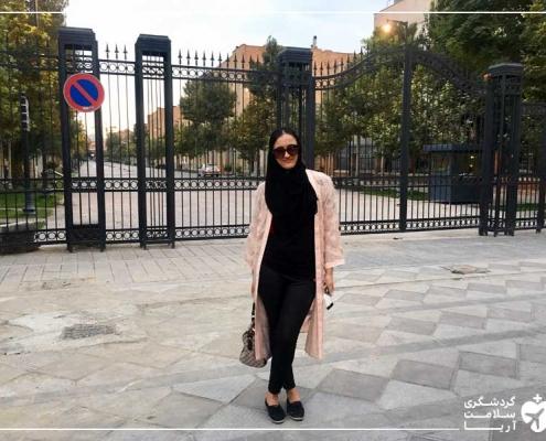 گردشگر تاجیک برای عمل بینی در ایران