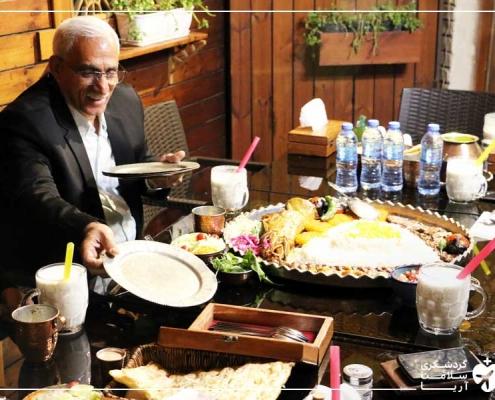 توریست خارجی و همسرش در ایران