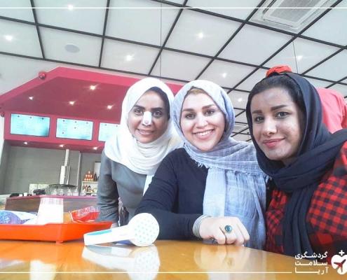 خانواده ی عرب در رستوران تهران
