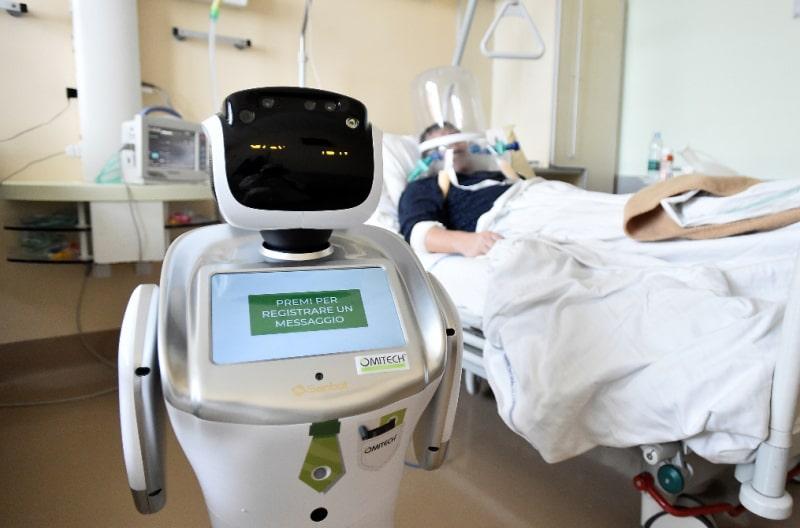 تکنولوژی در گردشگری سلامت و تله مدیسن و ربات دستیار پزشک
