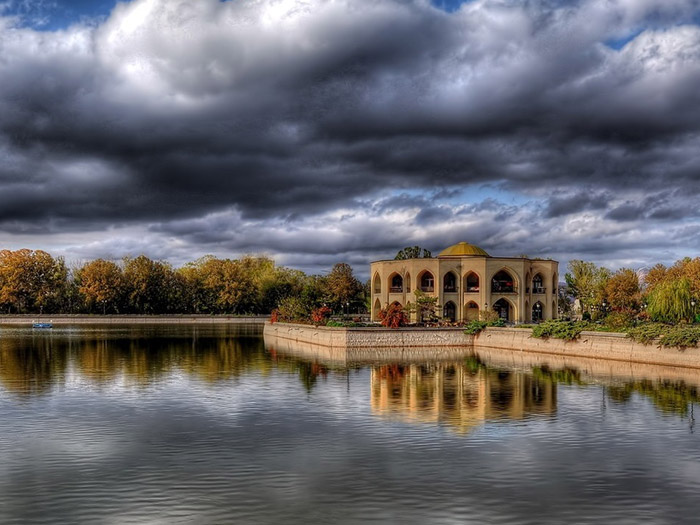 Elgoli park in Tabriz consisted of lake, building, and garden
