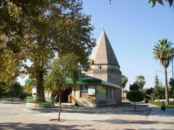 Imamzadeh Abbas building and garden