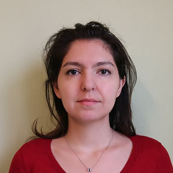 sample personal photo for women showing head, face and neck for iran visa application