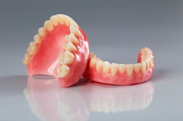 dentures for upper and lower jaw