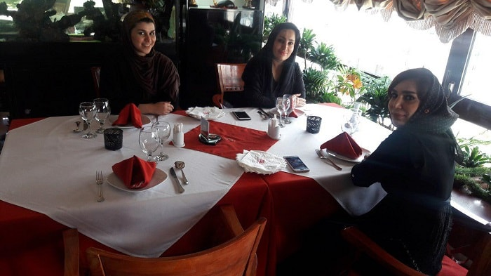 eating out in Tehran as female tourists