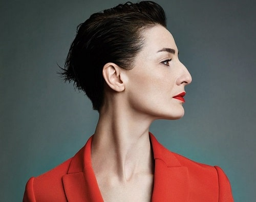 Erin O'Connor and her bony nose