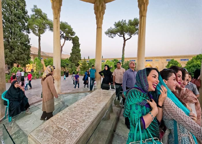 Dress Code in Iran, Shiraz