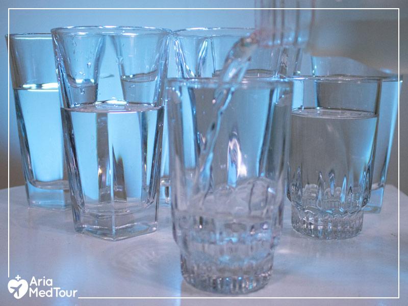 8 glasses full of water