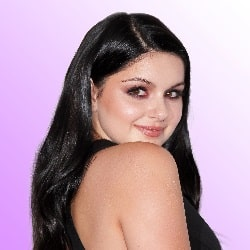 Ariel Winter posing for a medium close-up shot